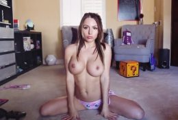 Liz Katz Nude Topless Striptease Video