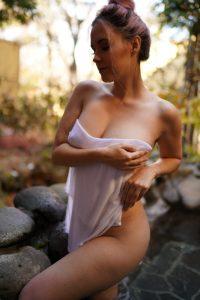 Meg Turney Poses Nude Topless Onsen