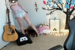 STPeach Booty Shorts Twitch Stream Video
