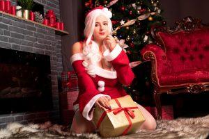 Ana Chuu NSFW Naughty Santa Photos