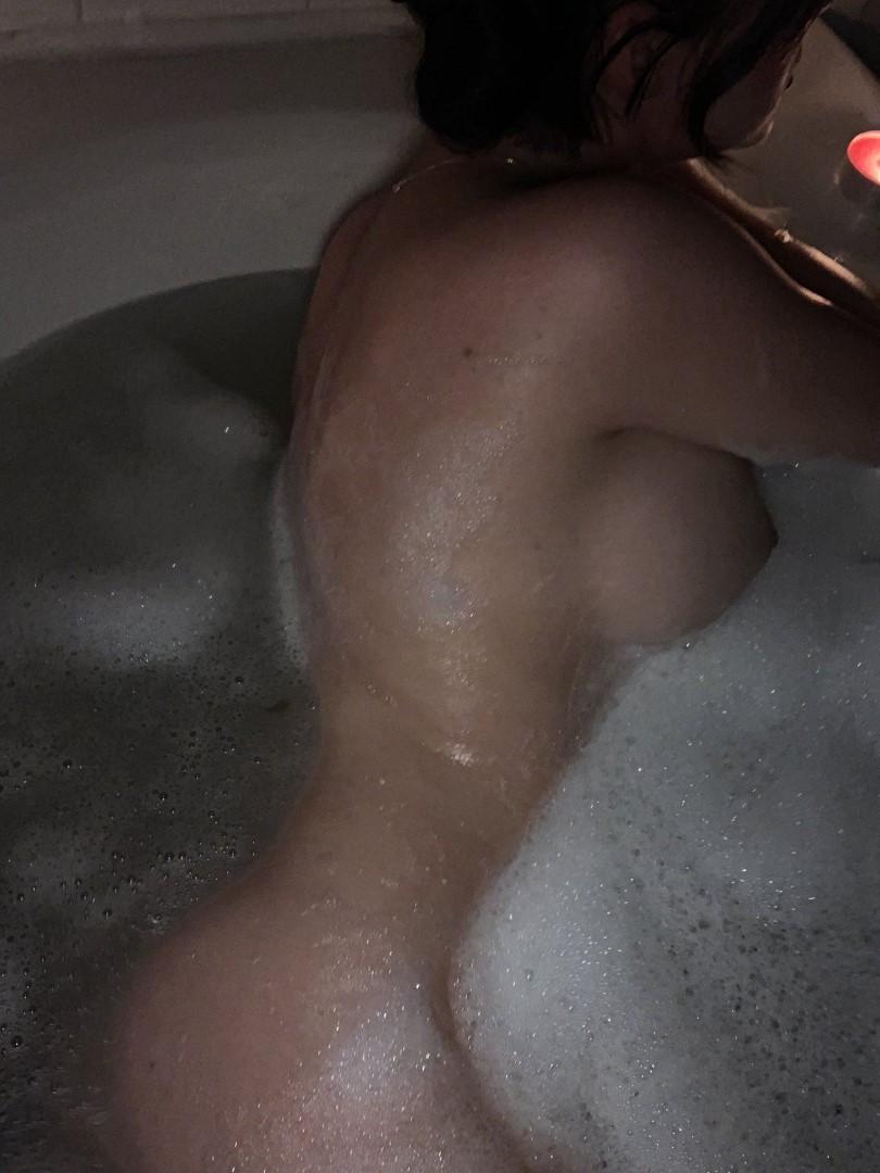 Saucy Sarah Onlyfans SarahLeeHall Nude Leaked Photos