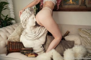 Belle Delphine Lewd Onlyfans Apollo Set