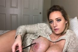 LlittleMissCassie1 Nude ASMR Brushing Her Body Video