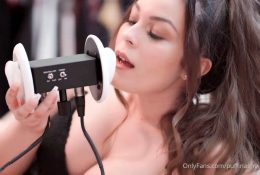 Puffin ASMR OnlyFans Close Up Kisses Video Leaked