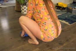 Rose Kelly Onlyfans Cleaning Kitchen Video Leaked